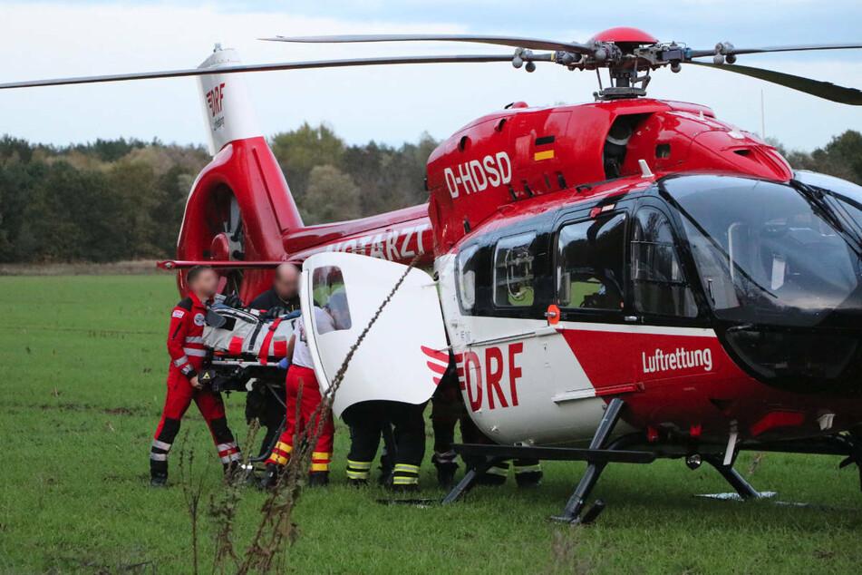 Am Dienstag sind fünf Menschen bei einem Auffahrunfall im Bereich einer Baustelle auf der A9 bei Niemegk teilweise schwer verletzt worden. Auch ein Rettungshubschrauber wurde zur Bergung der Verletzten eingesetzt. (Symbolfoto)