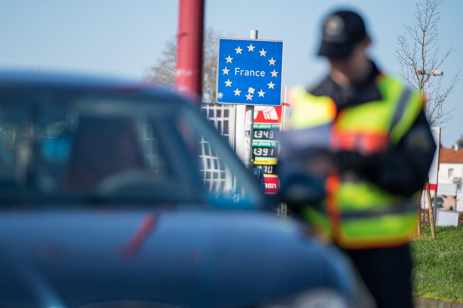 An der Grenze zu Frankreich soll noch viel länger kontrolliert werden.