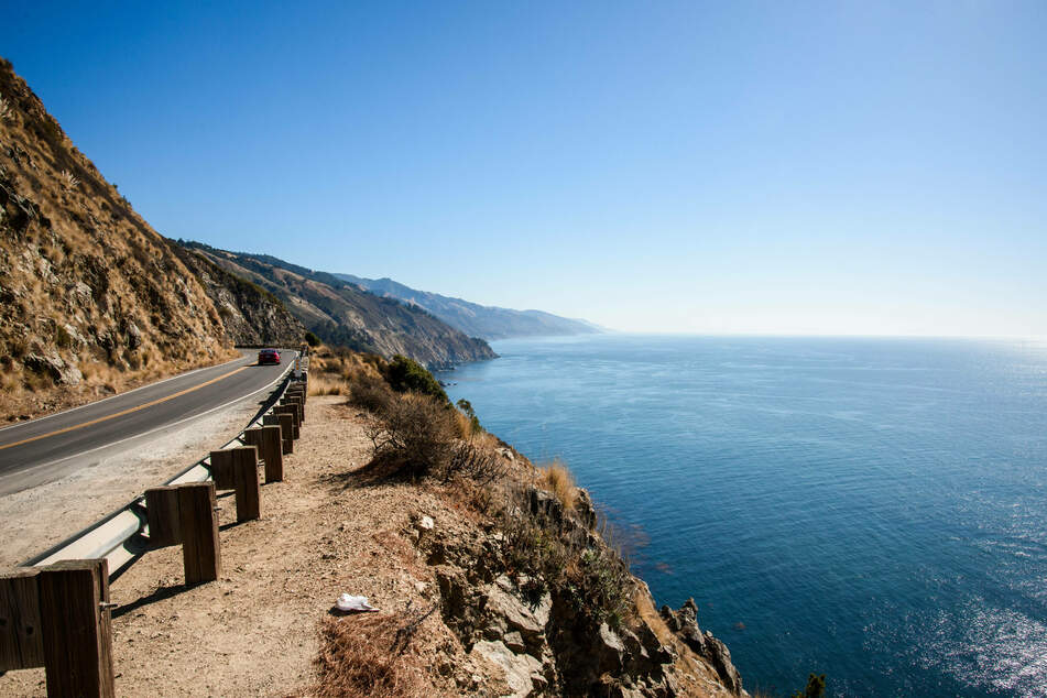 The iconic Highway 1 along the coast of California.