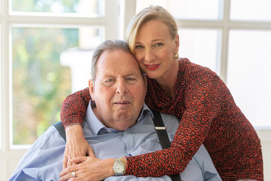 Ottfried Fischer (67) und seine Frau Simone (50) haben ihre kirchliche Hochzeit in das kommende Jahr verschoben.