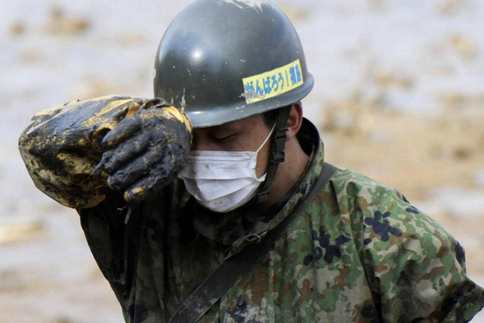 Noch viele Wochen nach der Erdbeben-Katastrophe wurde nach Vermissten gesucht.