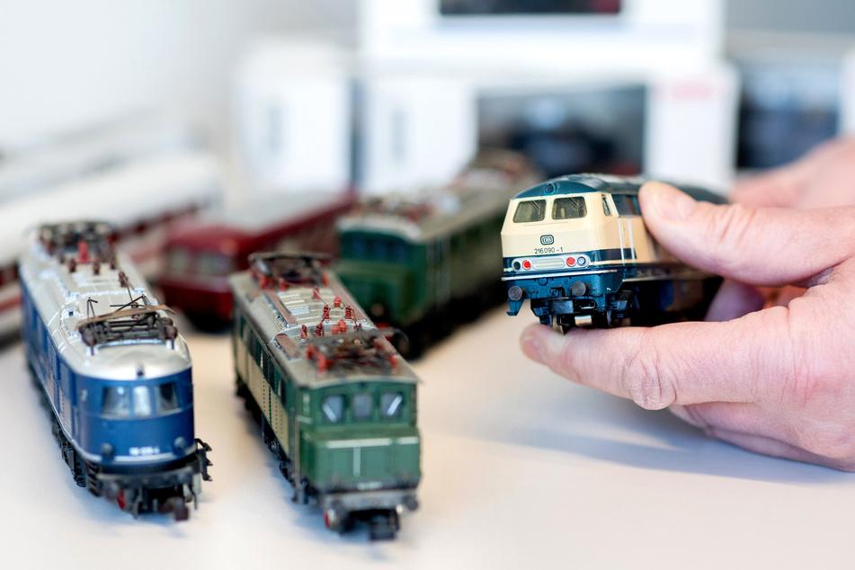 Ist kein Erbe bestimmt, fallen die Nachlässe in Sachsen, wie Lokomotiven aus einer Sammlung, an das Land. (Symbolbild)