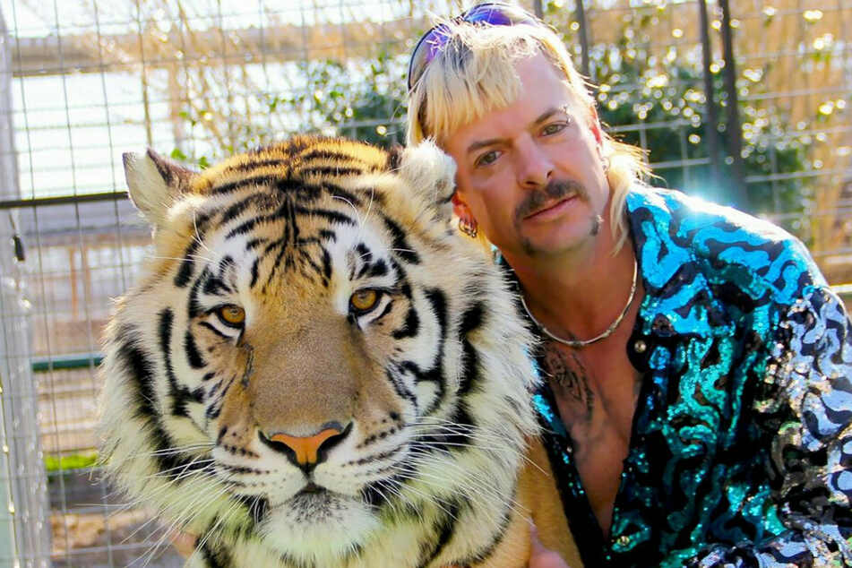 "Drama um den ""Tiger King""-Star: Joe Exotic hat angeblich Krebs, kommt er nun aus dem Knast?"