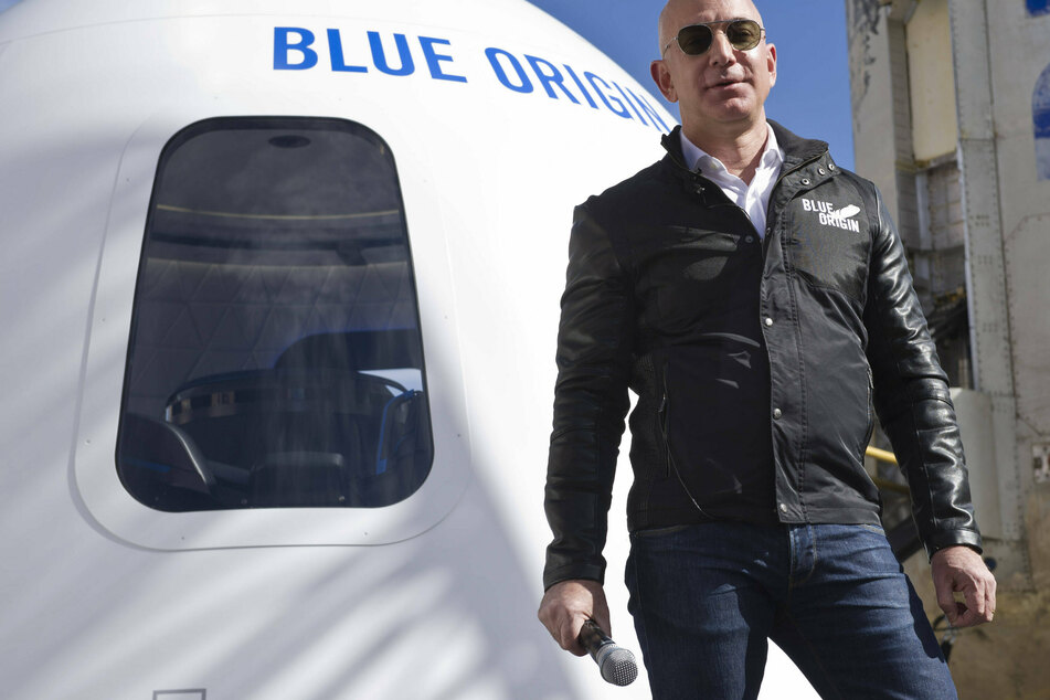 Jeff Bezos makes move against Elon Musk with astronomical cash offer to NASA!