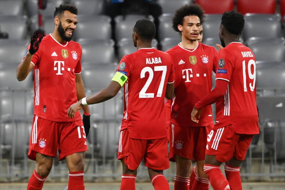 Eric Maxim Choupo-Moting (32, l.) bleibt wohl auch nach der laufenden Saison beim FC Bayern München.
