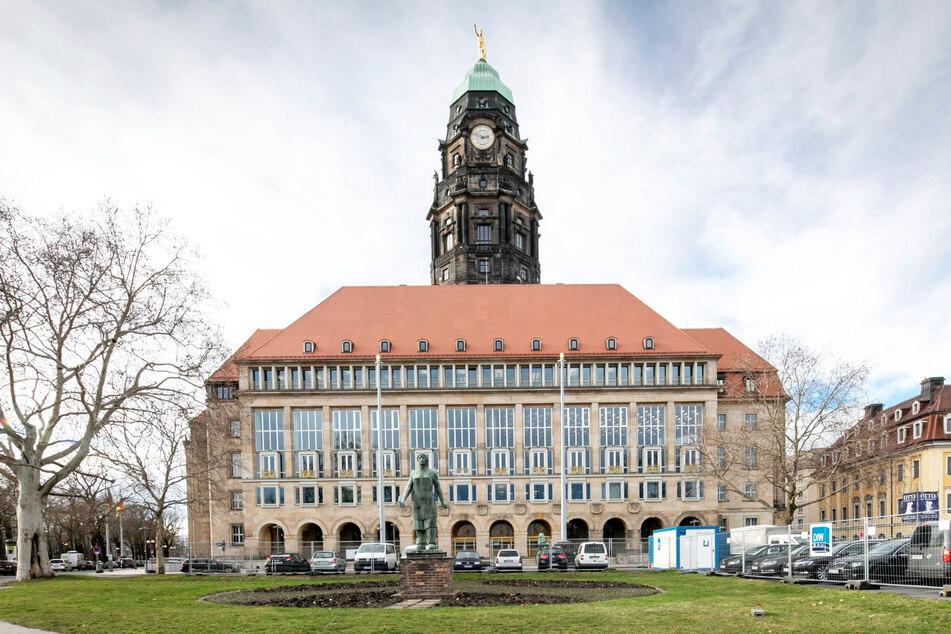 Im Dresdner Rathaus tut sich was.