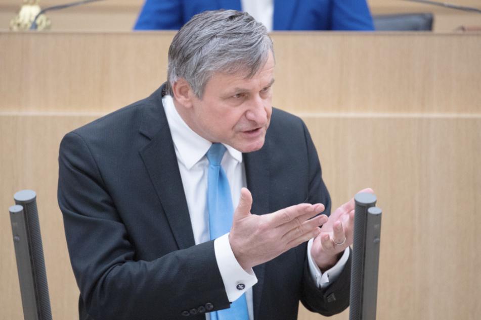 Fraktionschef der FDP offen für Superminister-Amt