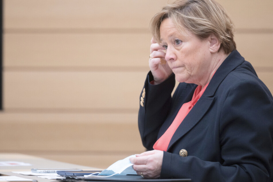 "Kultusministerin Eisenmann: Virusmutation in Freiburger Kita hat ""völlig überrascht"""
