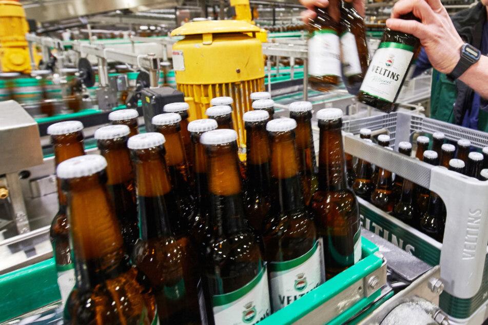 Bierpreise fallen! Kästen rekordverdächtig günstig - lohnt sich ein Hamsterkauf?