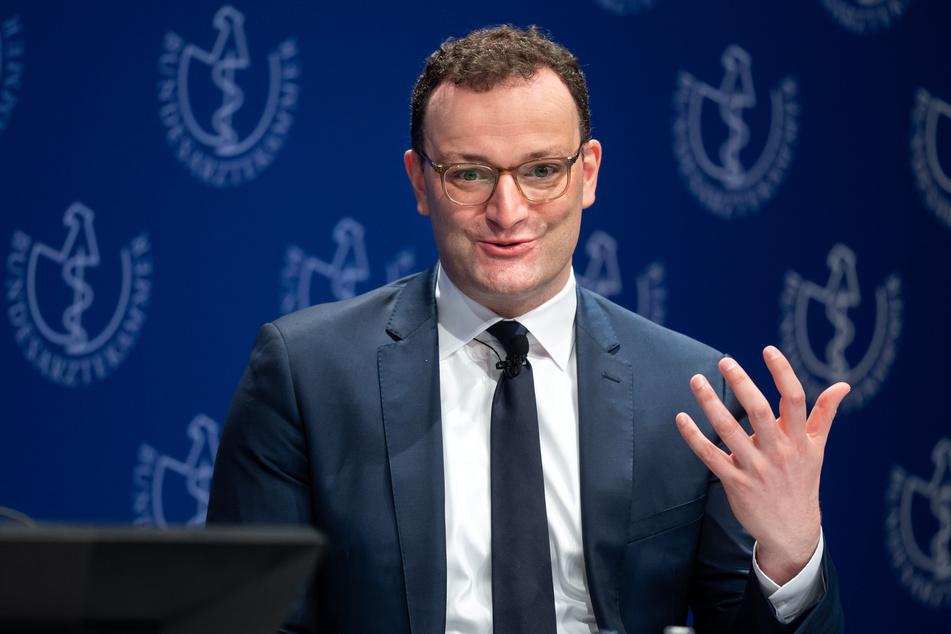 Jens Spahn (40, CDU), Bundesgesundheitsminister, diskutiert bei der Eröffnungsveranstaltung des 124. Deutschen Ärztetages, der zum größten Teil rein digital stattfindet.
