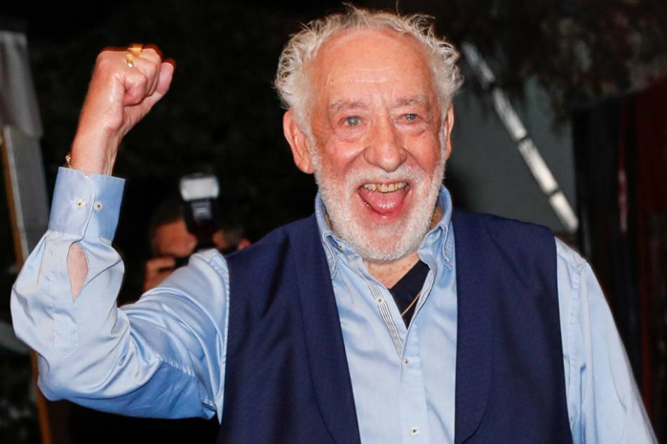 Kabarettist Dieter Hallervorden (85) freut sich über seine Impfung gegen das Coronavirus.