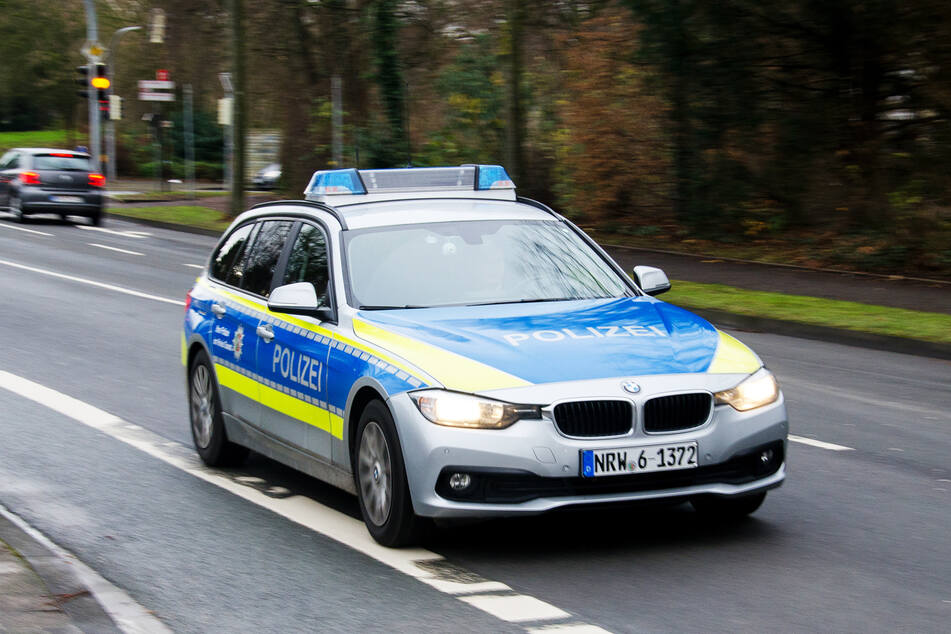 Die Polizeistreife wurde in Bochum-Dahlhausen gestoppt. (Symbolbild)