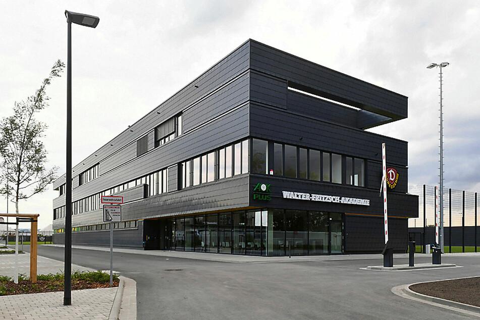 Das neue Trainingszentrum der Dynamos ist teurer geworden. Einen Teil der Mehrkosten trägt nun doch die Stadt.