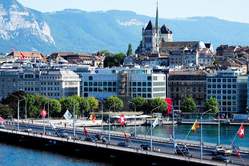 Im malerischen Genf treffen die Chefs der beiden Supermächte aufeinander.