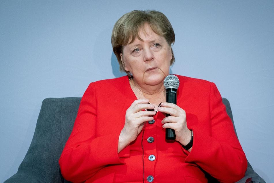 Nachdem 2020 Thomas Kemmerich (56, FDP) mit Stimmen der AfD zum Thüringer Ministerpräsidenten gewählt wurde, äußerte sich auch Angela Merkel (67, CDU) zu der Wahl. Ob sie das durfte, muss nun das Gericht entscheiden.