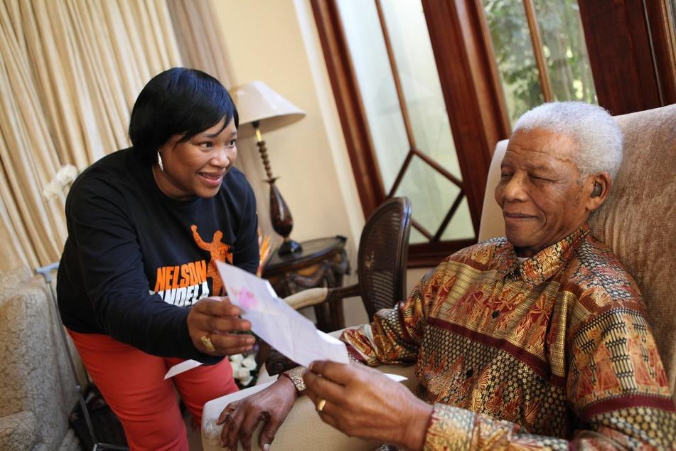 Nelson Mandela (†95) mit Tochter Zindziswa 2010.