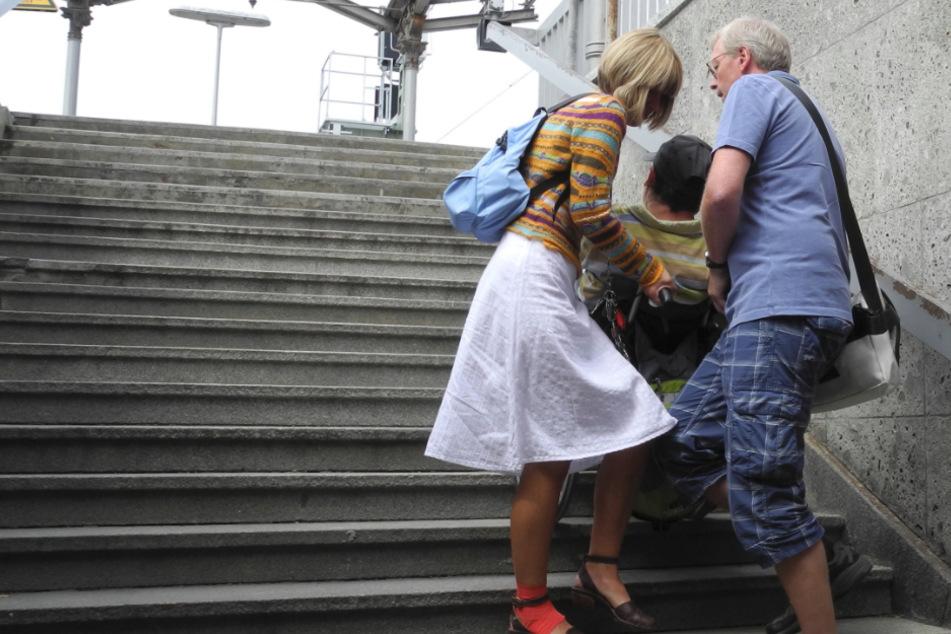 Barrierefreie Bahnhöfe? Bayern schneidet richtig schlecht ab!