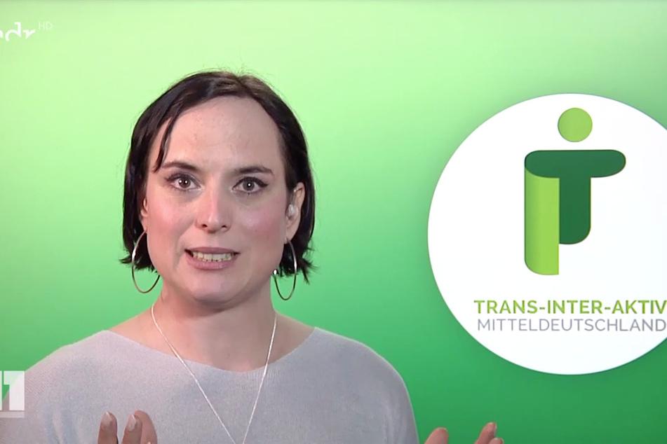 """Daria Majewski vom Verein Trans-Inter-Aktiv in Mitteldeutschland erklärte Themen wie """"binär"""", """"nicht-binär"""" und """"inter""""."""