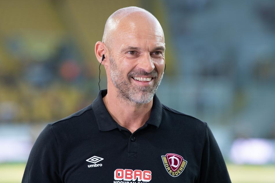 Hat Grund zum Lachen: Laut der Berechnung hält Dynamo unter Trainer Alexander Schmidt (52) souverän die Klasse.