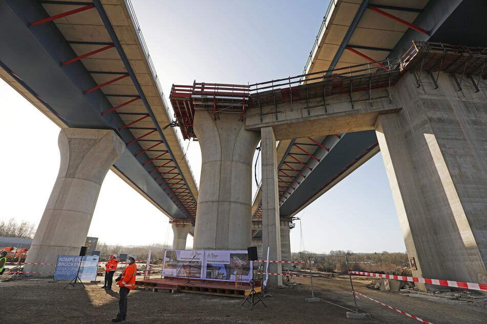 Gigantische Aktion mitten in Deutschland: Autobahnbrücke final verschoben