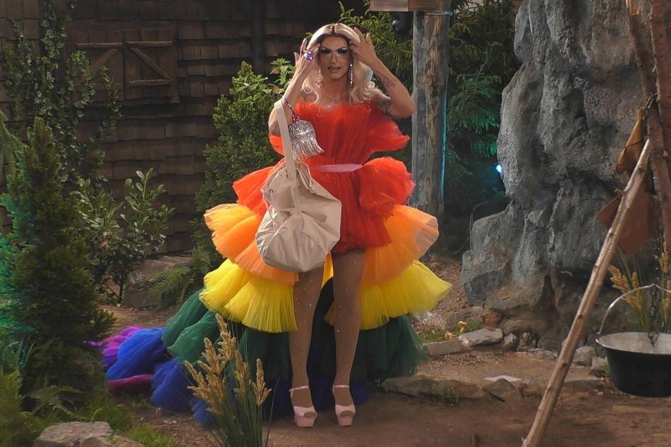 """Legte den erwartungsgemäß schrillsten Auftritt hin: """"Queen of Drags""""-Paradiesvogel Katy Bähm (27)."""