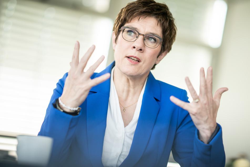 Verteidigungsministerin Annegret Kramp-Karrenbauer (57). (Archivbild)