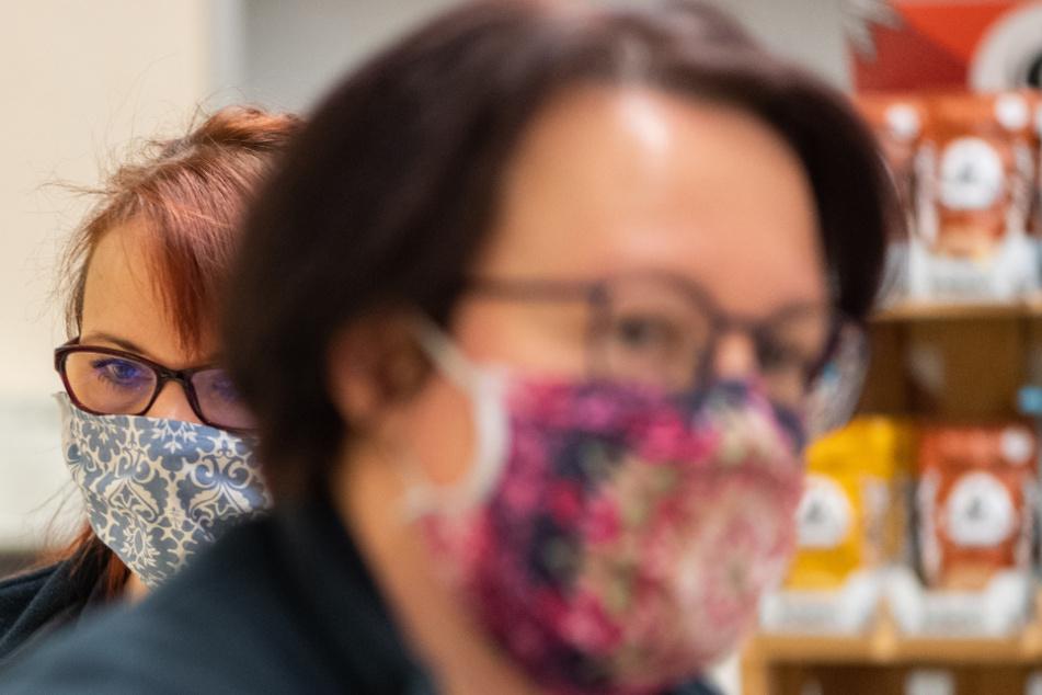Eine Maskenpflicht wird wahrscheinlicher. (Symbolbild)