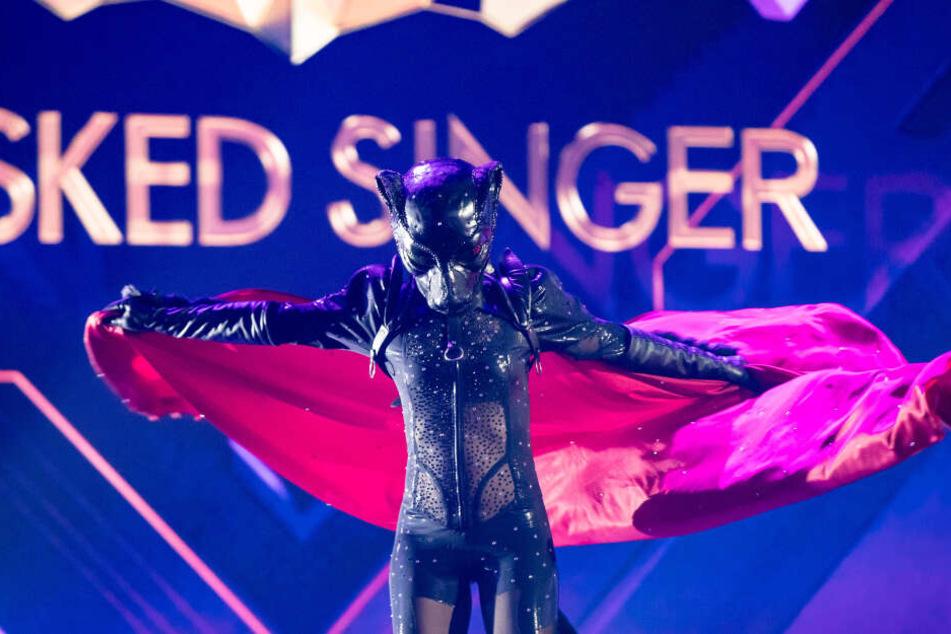 Stefanie Hertel im sexy Panther-Kostüm.