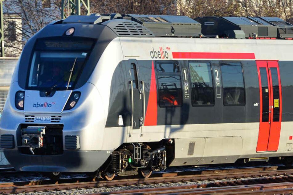 Auf der Strecke Weimar-Naumburg-Halle fahren am Wochenende Ersatzbusse.
