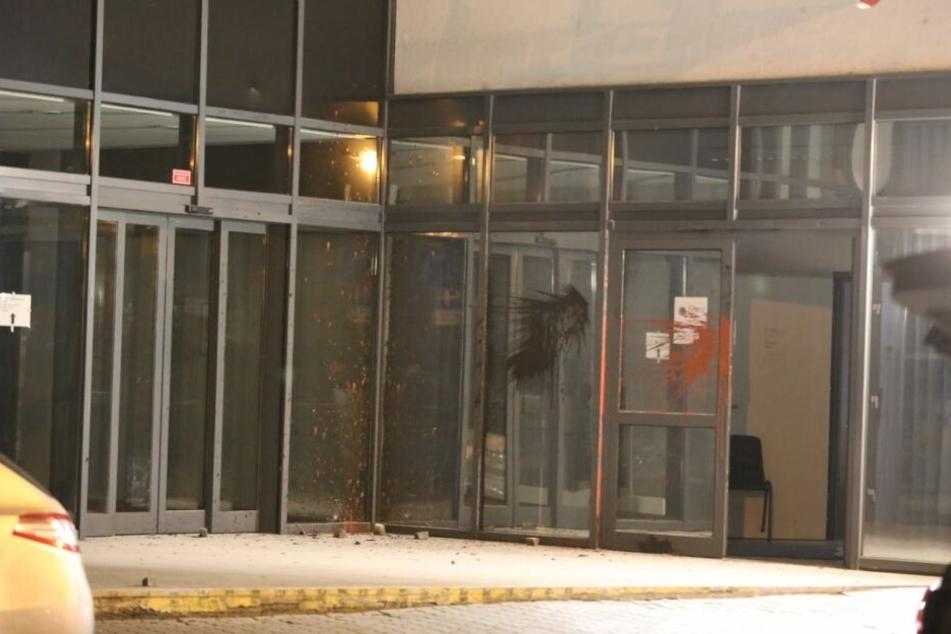 Unbekannte verübten am vergangenen Wochenende einen Anschlag auf den Polizeiposten in Connewitz.
