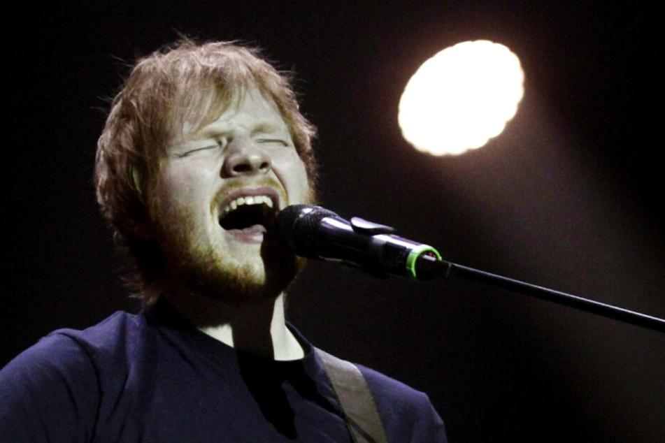 Bisher konnten die Vorwürfe dem Sänger wenig anhaben. Er wird auf etwa 177 Millionen Euro geschätzt.
