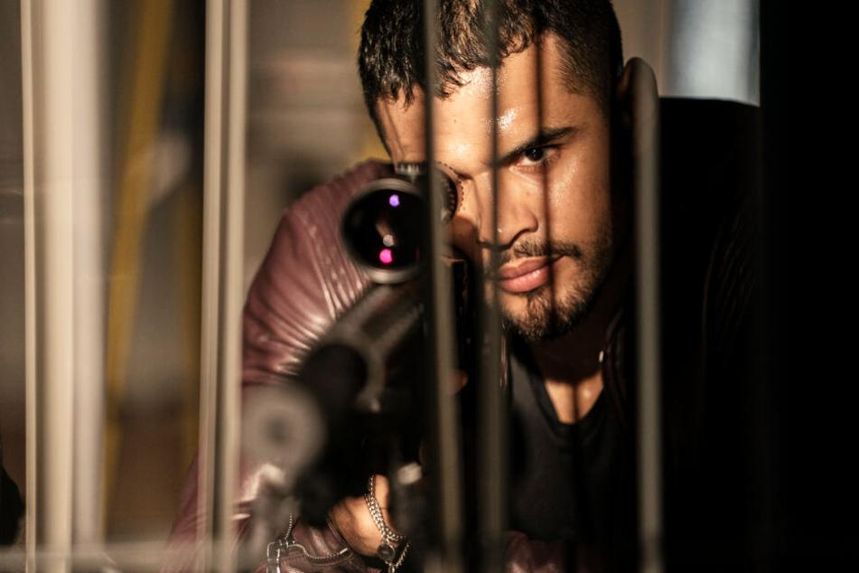 Warum macht Armando Armas (Jacob Scipio) Jagd auf Mike Lowrey?