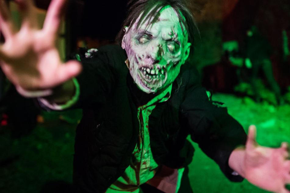 """Dieser """"Zombie"""" trieb 2017 auf Burg Frankenstein sein Unwesen. Es ist aber gut möglich, dass er auch dieses Jahr dort umgeht."""
