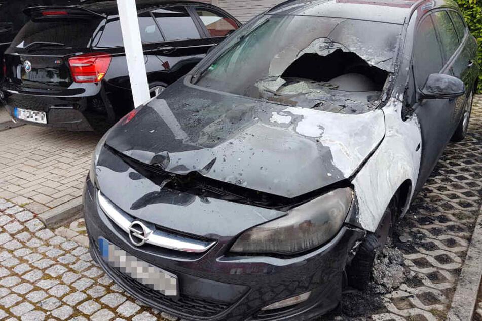 Das Auto des AfD-Politikers Claus Schaffer brannte aus.