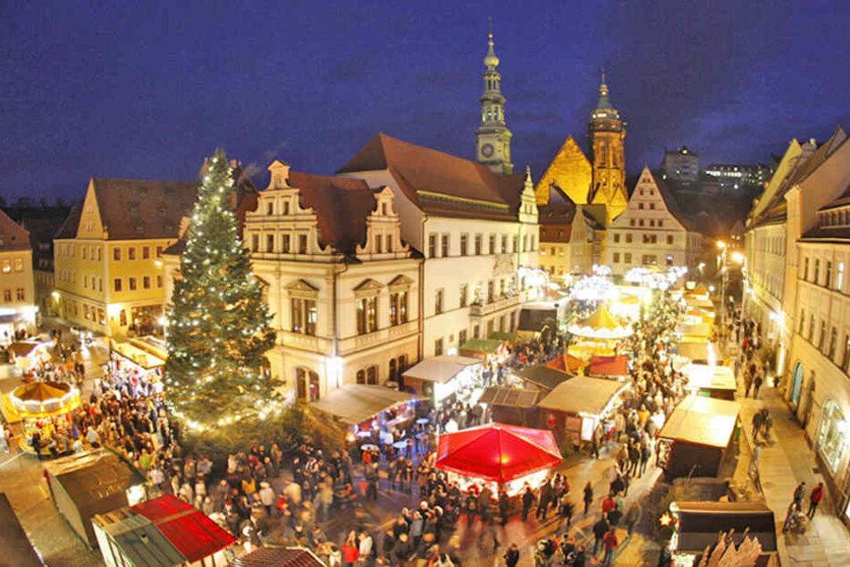 Auch in Pirna geht das Weihnachtsfeeling in die Verlängerung: Der Canalettomarkt öffnet nach den Feiertagen noch einmal seine Tore.