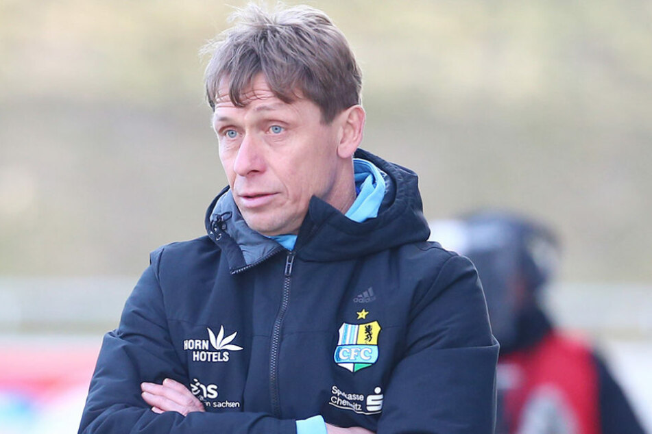 CFC-Trainer Sven Köhler stand am Wochenende bei den Fans zur Diskussion - doch er bleibt.