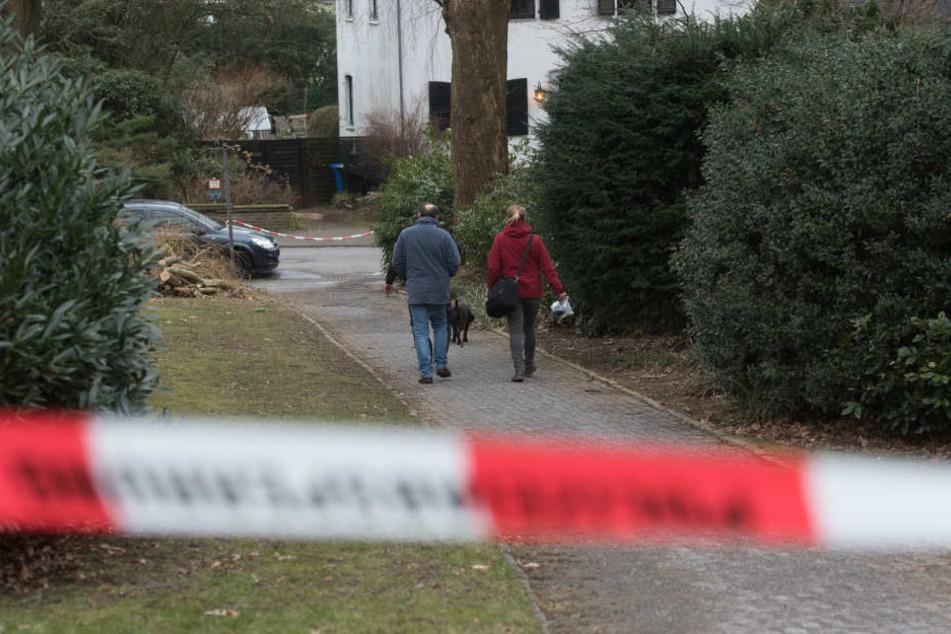 Ermittler am Tatort in Haan.