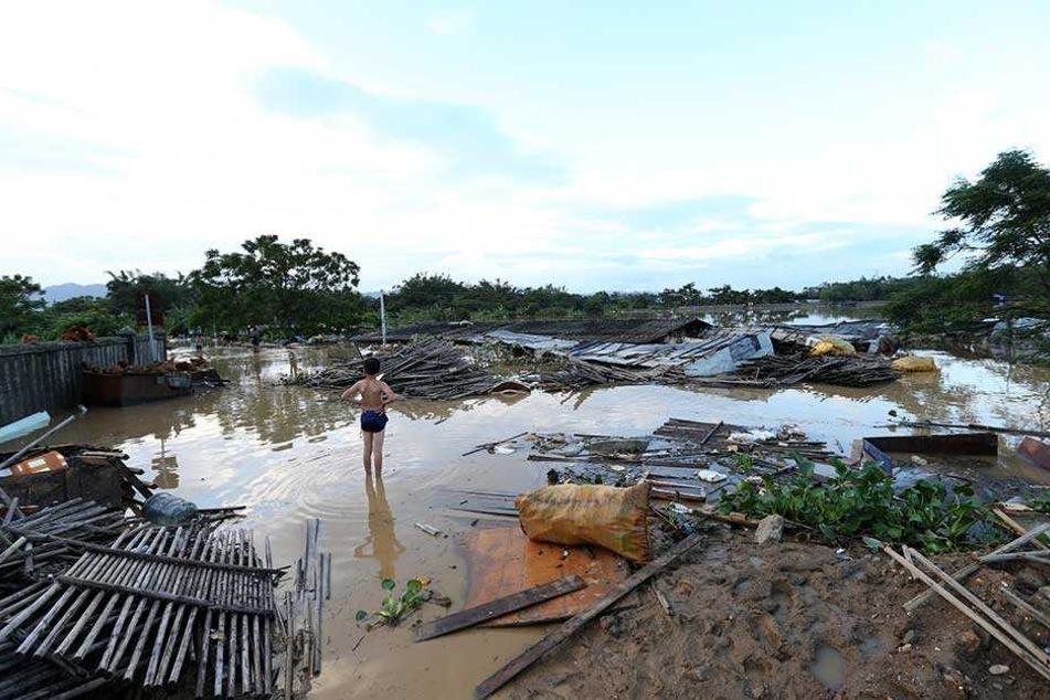 Durch die Wolkenverschiebungen sollen auch die Überschwemmungen in Südchina eingedämmt werden.