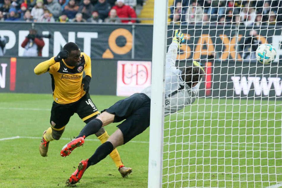 Das 4:0 gegen den FC Erzgebirge: Erich Berko köpft nach Hereingabe von Marco Hartmann ein, Aues Keeper Martin Männel ist geschlagen. Es war Berkos erster Saisontreffer.