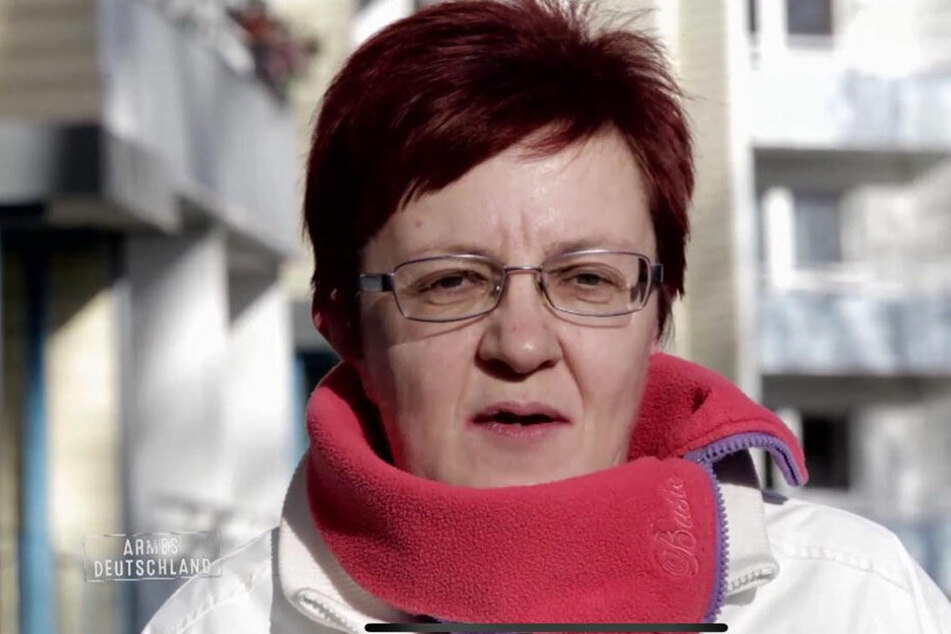Simone (55) hat keinen Bock zu arbeiten.