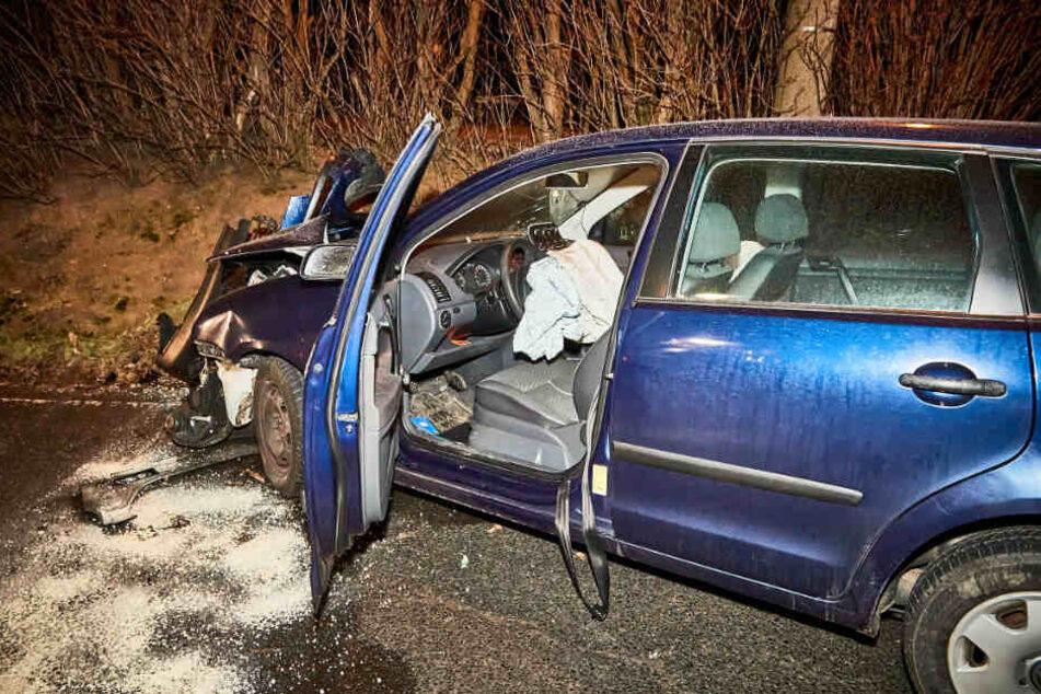 Der VW Polo erlitt vermutlich Totalschaden.