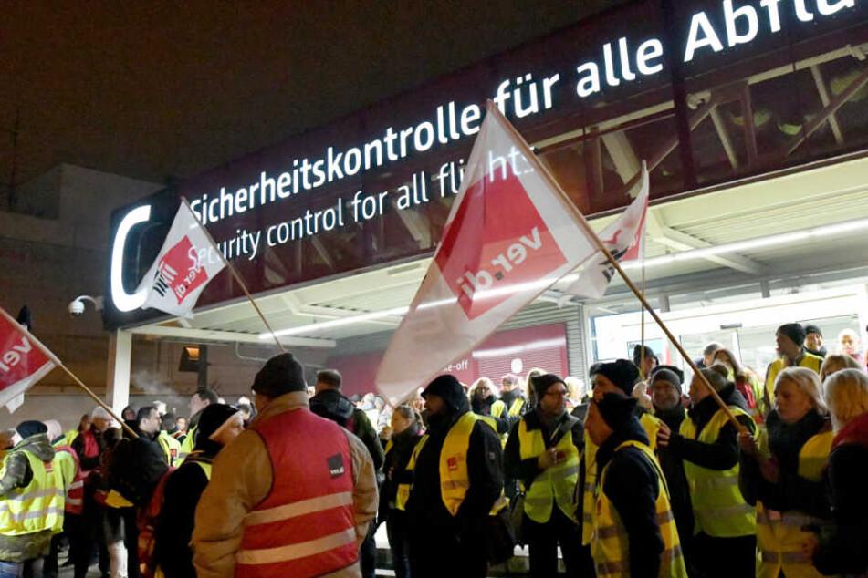 Warnstreik am Berliner Flughafen Schönefeld.