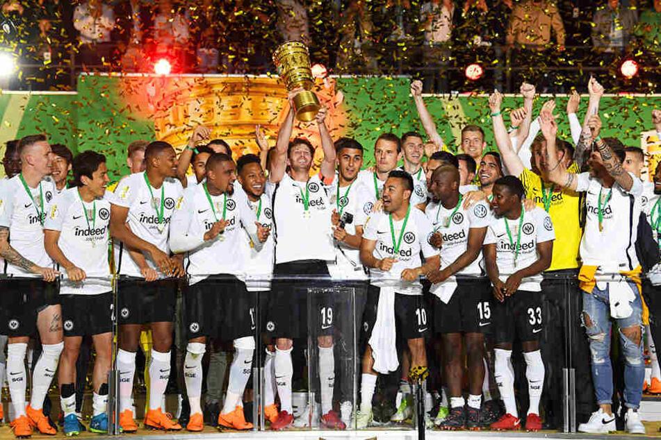 Der SSV Ulm trifft auf DFB-Pokalsieger Eintracht Frankfurt!