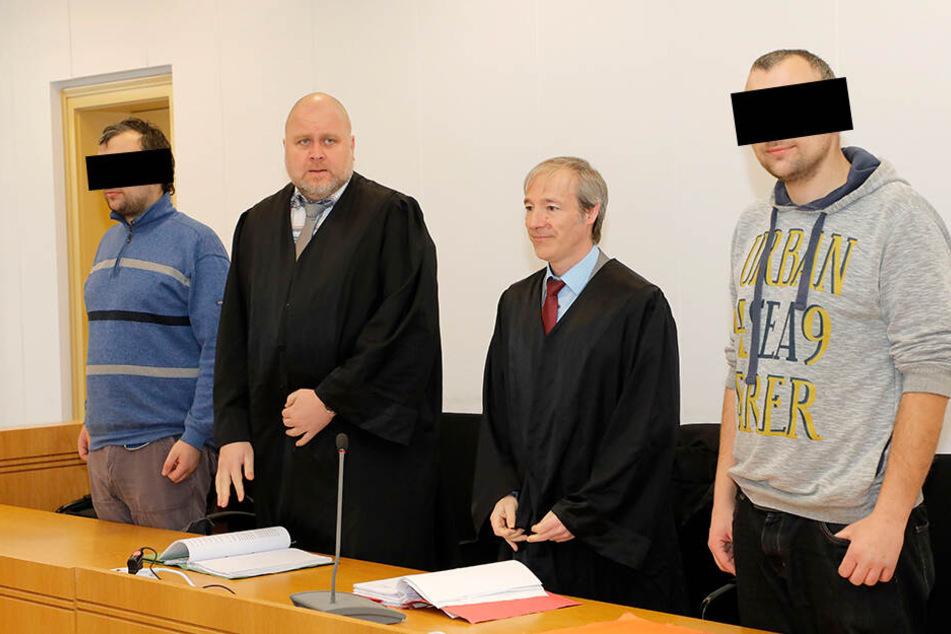 Die Zwillinge Rico M. (28, l.) und Tino M. (28, r.) mussten sich wegen Diebstahls vor dem Chemnitzer Landgericht verantworten.