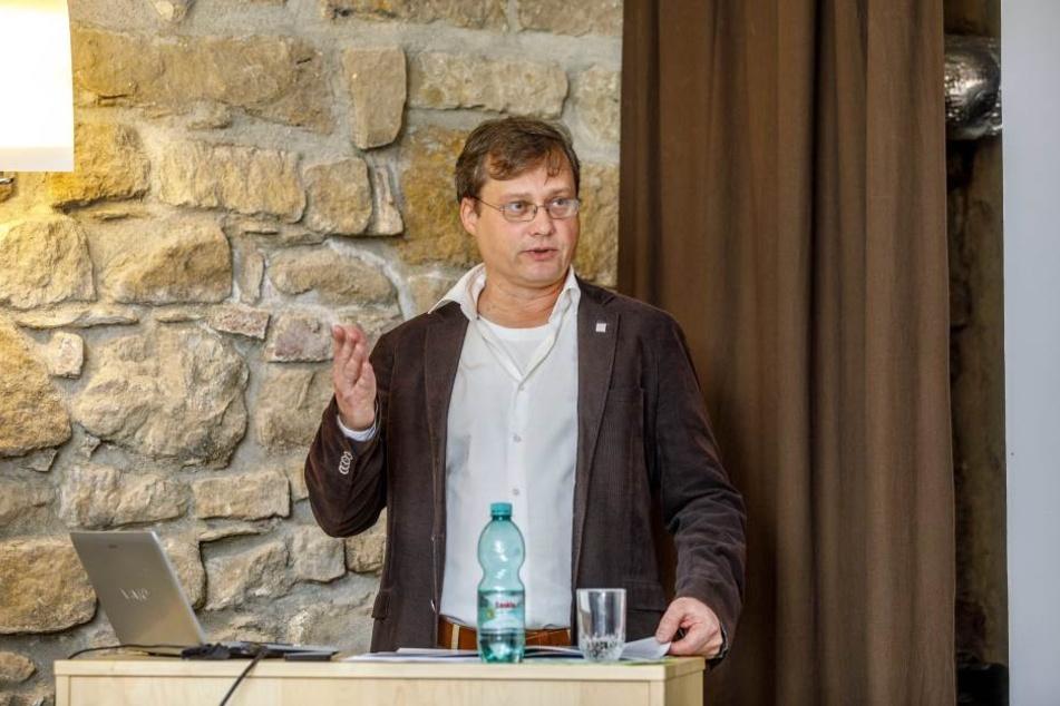 Vereins-Vorstand Torsten Kulke (52) will die Altstadt-Silhouette schützen.