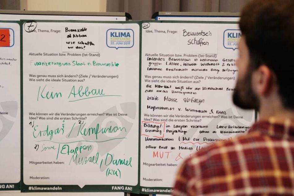Auf mehreren Flipcharts konnten die Schüler ihre Forderungen zusammenfassen.