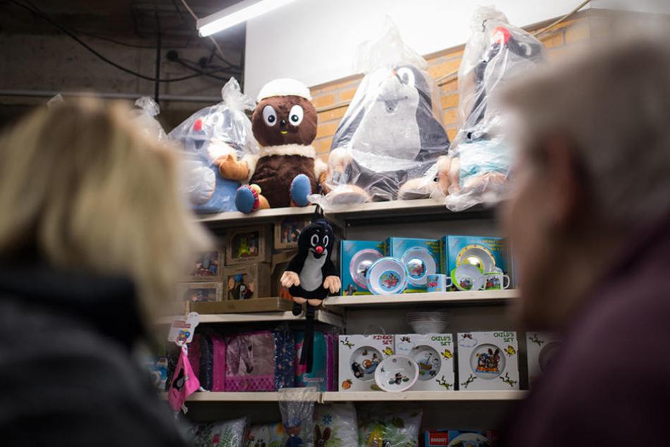 Neben Spielzeug können auch Lebensmittel, Bücher, Filme, CDs und Deko geshoppt werden.