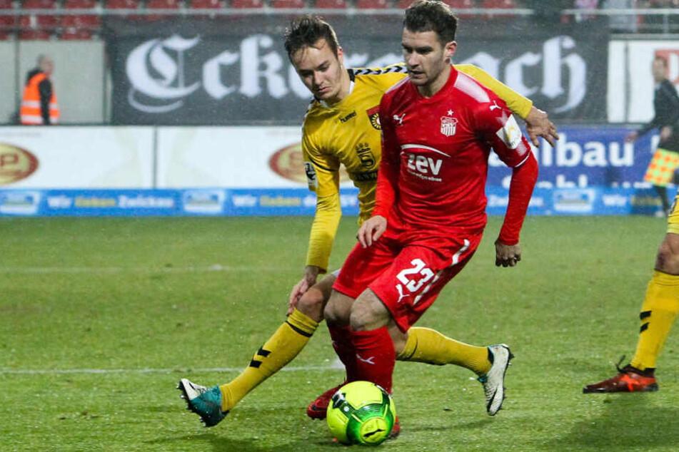 Daniel Gremsl (v.) bekam in dieser Saison wenig Einsatzzeit. Daher will er wohl zurück in seine Heimat nach Österreich.