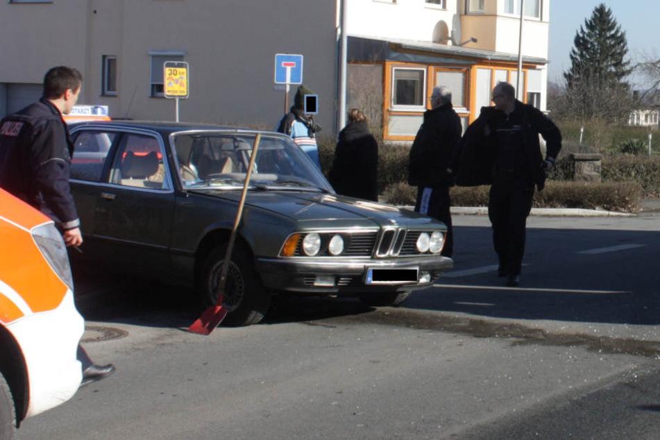 Der BMW-Fahrer wollte die Richtung wechseln und übersah beim Abbiegen einen Iveco-Truck.