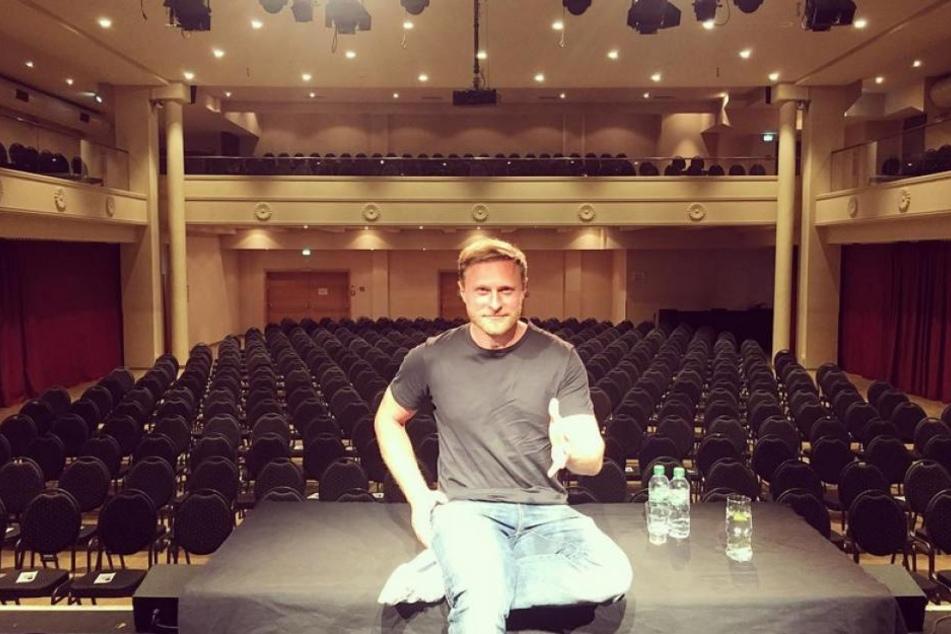 """""""Leipzig, ich bin bereit!"""" - Am 8. September 2018 las Michael Nast im """"Haus Leipzig"""". Das Publikum bestand aus rund 90 Prozent Frauen."""